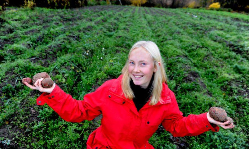 Kortreist: Ingerlise Wingaard er innkjøpsansvarlig i Duggurd. Foto: Marianne Otterdahl Jensen